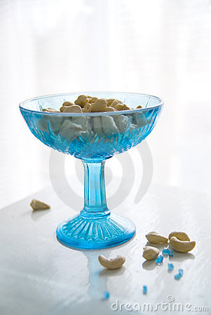 Turquoise vase with cashew