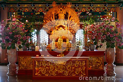 Tusen räcker av gudinna av förskoning, Guan Yin