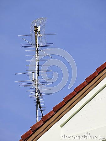 Tv antenna on roof