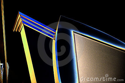 TV edges in high contrast
