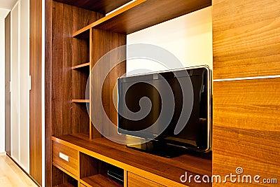 TV y guardarropas