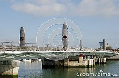 Tvilling- seglar bron, Poole