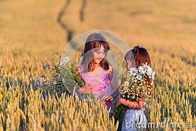 Twee aanbiddelijke meisjes