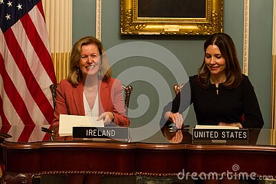 Twelve-month Irish Work And Travel (iwt) Program Memorandum Of Understanding Free Public Domain Cc0 Image