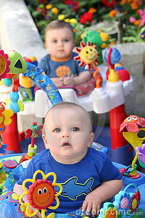 Free Twin Baby Boys Stock Images - 2089904