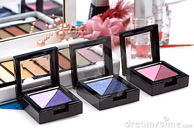 Twin colored eye shadow kits