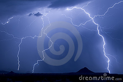 Twin Peaks Lightning