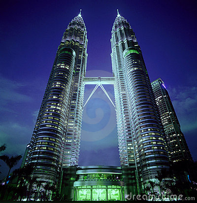Free Twin Towers In Malaysia Royalty Free Stock Photography - 6986177