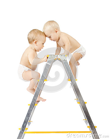 Two babies climbing and fighting on stepladder
