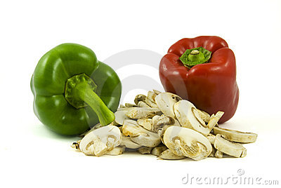 Two bell peppers and sliced champignon mushrooms