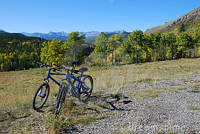Two bikes parking above the valley