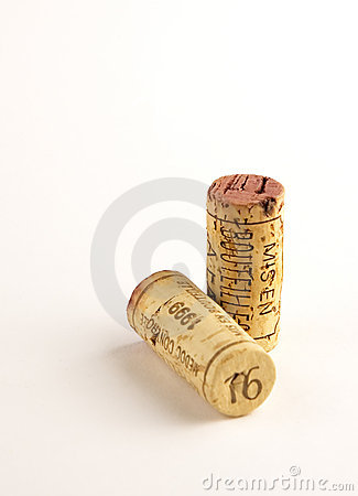 Free Two Corks Royalty Free Stock Photo - 508555