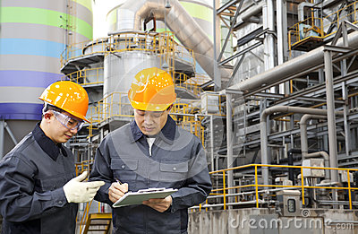 Engineer oil refinery