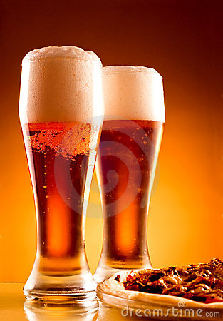 Free Two Glass Of Beer And Pizza Royalty Free Stock Image - 23278716