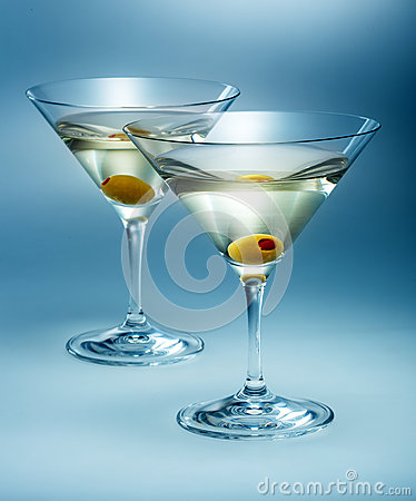 Free Two Glasses Martini With Olive. Cocktail Isolated Stock Photography - 33661842