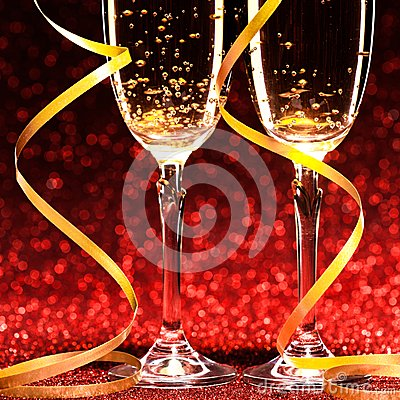 Free Two Glasses Of Champagne Ready For Christmas Celebration Royalty Free Stock Images - 47732939