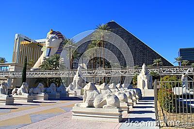 USA, Nevada/Las Vegas: Hotels Luxor and Mandalay Editorial Stock Image