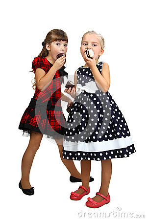 Free Two Little Girls Eatting Stock Images - 43897794