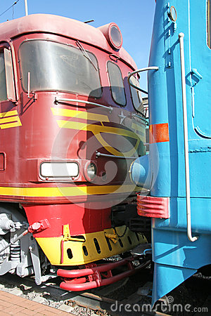 Free Two Locomotives Royalty Free Stock Images - 34529439