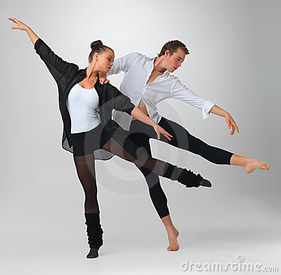 Two modern ballet dancers performing