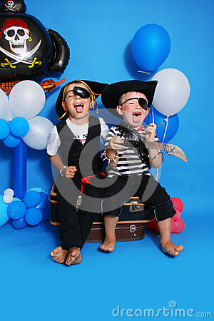 Free Two Pirate Royalty Free Stock Photo - 30500645