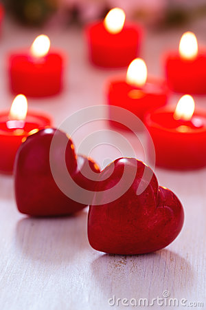 Free Two Red Hearts And Burning Candles On  Table Royalty Free Stock Images - 84440669