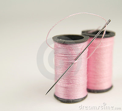 Free Two Spools Of Pink Thread With Needle Stock Photography - 16914692