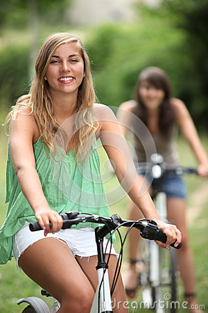 Two teenager on bike ride