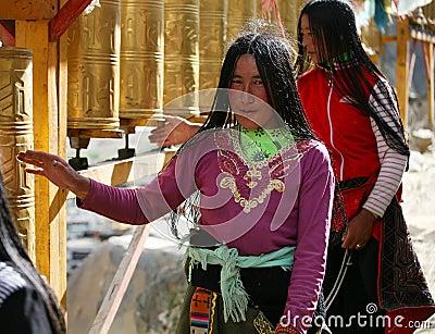 Two tibetan lady a pilgrimage Editorial Stock Image