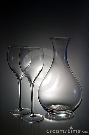 Two wineglasses with a decanter