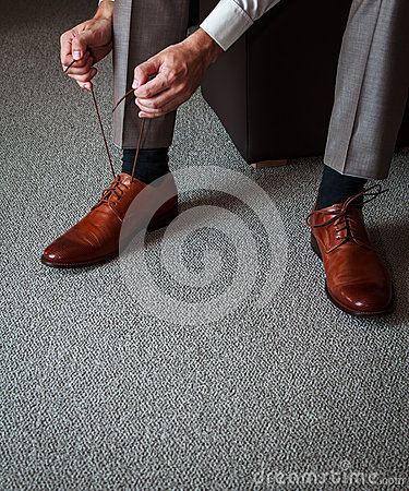 Tying shoes