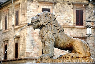 Typical Italian architecture :old fountain