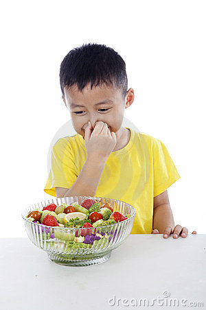 Free Typical Kid Hates Vegetables Royalty Free Stock Photos - 23712448