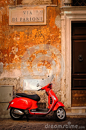 Free Typical Scene With A Red Scooter On A Narrow Central Rome Street Royalty Free Stock Photography - 98827897