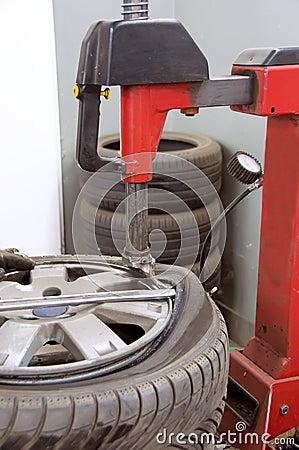 Tyre folding