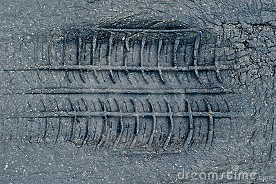Tyre tread imprint in asphalt