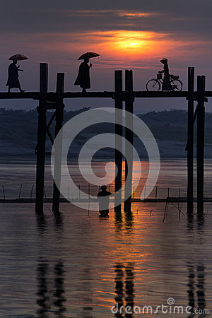 U Bein Bridge - Mandalay - Myanmar (Burma) Editorial Photo