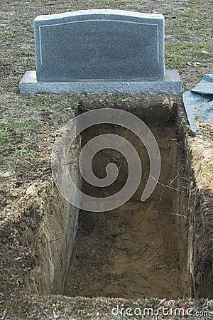 梦见自己买坟墓
