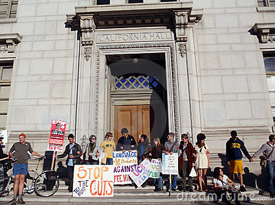 UC Berkeley Protesters link arms around a building Editorial Stock Photo