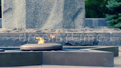 Ukraine, Kharkov, am 27. August 2017: Volles hd Video Erinnerungskomplex des Ruhmgedächtnisses der Krieger stock video footage