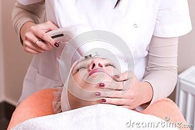 Ultrasonic Skin Scrubber Peeling 4