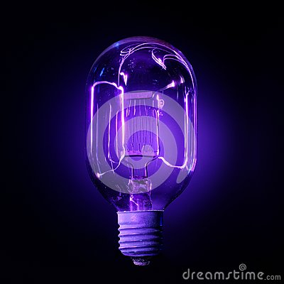 Free Ultraviolet Lamp Royalty Free Stock Photo - 112288525