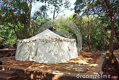 Um acampamento da selva