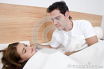 Um homem que admira sua esposa