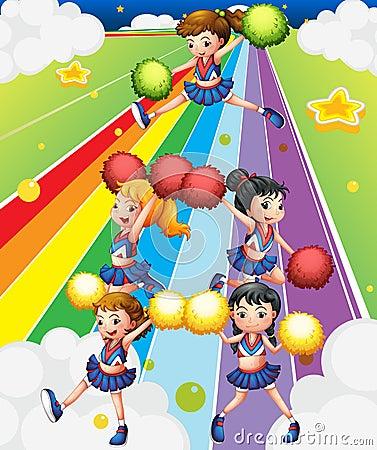 Um pelotão cheering na rua colorida
