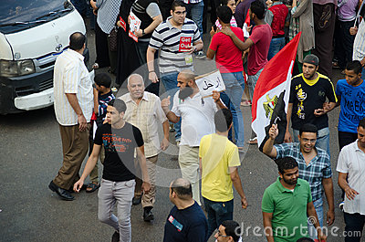 Um Salfist que demonstra contra o presidente Morsi Imagem de Stock Editorial