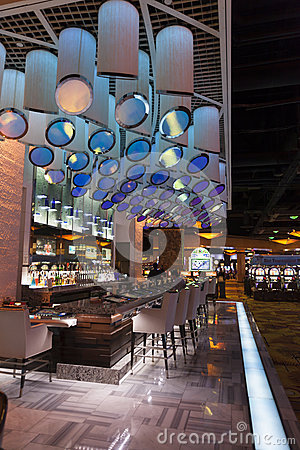 Uma barra no hotel em Las Vegas, nanovolt de Silverton o 20 de agosto de 2013 Foto Editorial