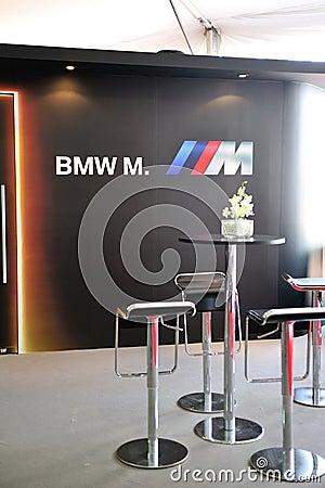Umwandelbare Vorbetrachtung BMW-M6 in Singapur Redaktionelles Bild