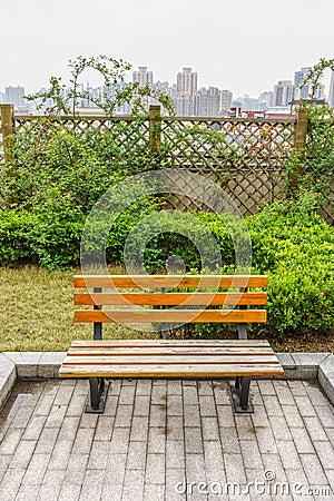 Un banc en bois dans un jardin sur la terrasse de toit photo stock image 50980628 - Jardin sur terrasse toit dijon ...