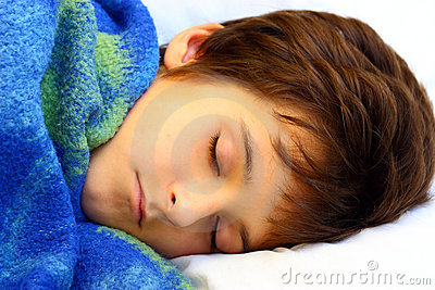 Un muchacho durmiente